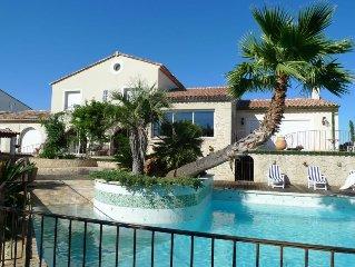 Villa with a T6 + T3 with mezzanine in Pézenas