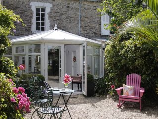 Maison in the Cotentin with exotic garden, very close from the sea.
