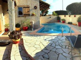 Villa moderne, et renovee en 2015 avec belle terrasse, piscine, barbecue et WIFI