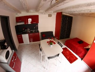 RENTAL STUDIO FURNITURE OF 20 M2 IN THE HEART OF