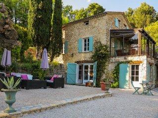 Mas provencal restaure, avec piscine, 6 personnes, 3 chambres