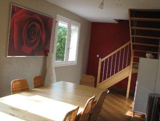 Maison gite  individuelle avec espace vert clos au calme