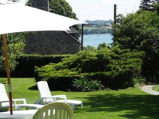 5 mn Dinard, EDEN COVE Maison de caractère, CHARME, jardin 1000M2,plage estuaire