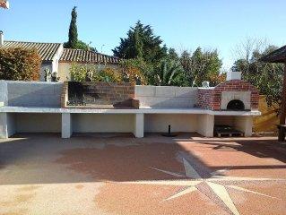VILLA 140 m2  avec dependance 40 m2 + piscine chauffee