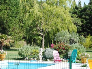 Provencal farmhouse with pool and garden, can accommodate 13 people, 5/6 bedroo