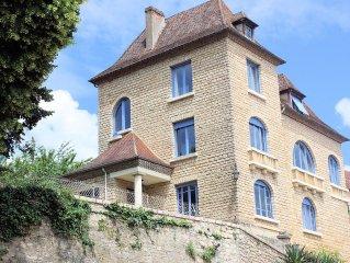 Grande maison au ceour du Perigord Noir et de LASCAUX IV, parc, piscine chauffee