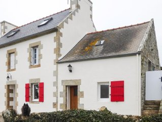 Une maison entièrement rénovée  pour 6 personnes face à la pointe du Raz