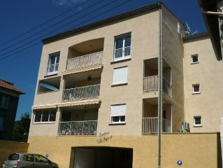 Digne les Bains: ** furnished apartment in quiet Town Centre in a modern buildi