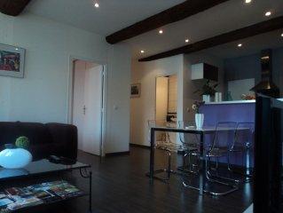 Port-Vendres:Appartement 3 pieces renove+clim.Vue superbe sur  port + parki
