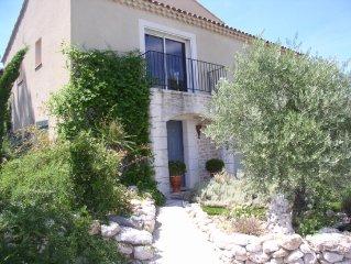 villa provençale climatisé à Aix en Provence avec  piscine, vue panoramique