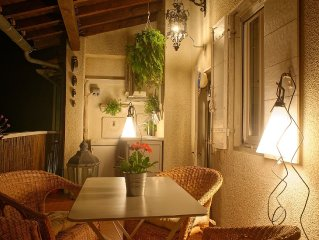 Typical house Arlesienne ideally located in the historic center
