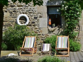 Between Paimpol and Perros-Guirec / Ideal with children / Linen provided / Sat.