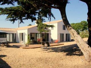 Maison à 50 mètres de la plage des lutins et 100 m de Luzéronde à l'Herbaudière