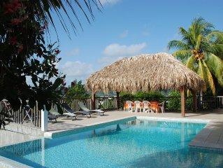 Appartement 76m2, vue mer et forêt, piscine et grand jardin