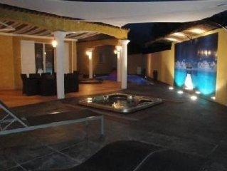 Villa 120 M2 DE STANDING AGDE CLIM SPA JACUZZI PISCINE PRIVEE 6.5 X 5 M chauffes