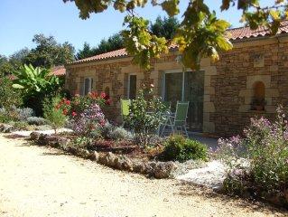 Maison  plein pied au CALME - piscine privee chauffee  a 5 mn de SARLAT