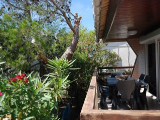 Authentic and cosy chalet in Gruissan Plage with the Mediterranean 300 m away