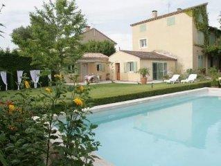Maisonnette avec terrasse sur 1000m2 de jardin - Piscine - Centreville de Orange