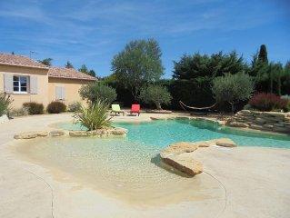 La Provence, sa lavande, le chant des cigales, le soleil..Laissez-vous séduire..