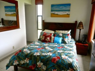Hale Nai'a, Stunning White Water Ocean Views, Completely Renovated, Always $140!