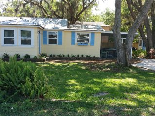 Newly updated 1950 Ozona cottage steps away from the gulf & marinas. Charming!