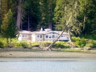 'Whale House'~ Upscale, 4000 Sq Ft Home For Large Family