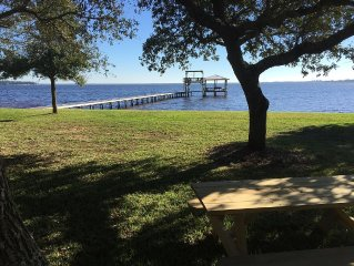 Quaint Waterfront Home W/ Seperate Guest House On Perdido Bay