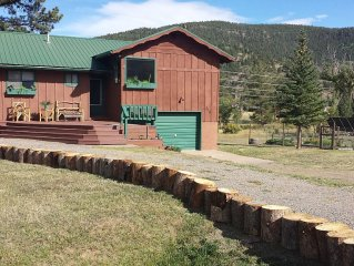 3 BEDS, 2 Baths, Garage, Panoramic Mountain Views,Pet Friendly, WI/FI, MOVIES!!