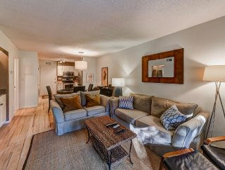 Flash Sale -- $50 Off May Rates! 300 yards to Beach, Beds for 5, Comfy, Stylish!