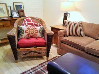 Foursomes or Families-Historic Cottage, Old Town