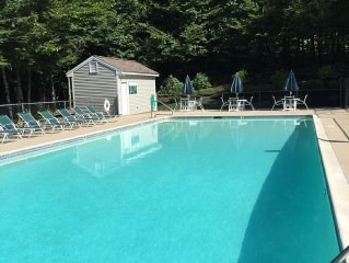Stunning Summer Vacation Mountainside Accommodations near North Conway
