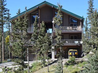 Mountain VIEWS! Covered DECK!  Walk to the Bavarian, scenic Chair Lift 4, hiking