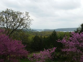 Panoramic views of Lake Tenkiller from the House on the Hill