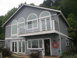 Waterfront Beach Cottage, sleeps 7