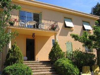 Grand F2 avec terrasse et jardin pres de Cassis et des calanques