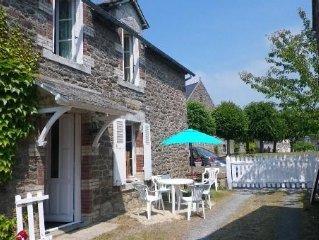 Jolie Maison de Bourg - Crehen - 85 m2 - 6 Couchages - 4 chambres - Mer a 5 mn