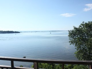 Spacious Executive Home On Lake Champlain, 10 Minutes To Downtown Burlington