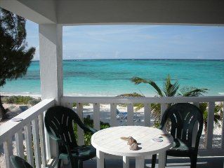 Private, Romantic, Stylish Beachfront Villa on Spectacular Whitby Beach with A/C