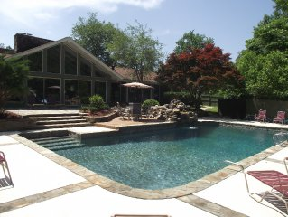 Estate 166 W/Pool & Tennis - 15 Minutes from Airport .