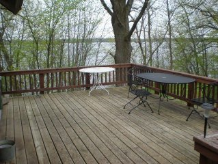 Beautiful Lake Emily, quiet up north feel, views, large lot, firepit!