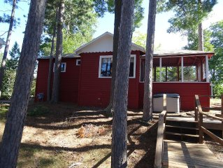 Lakefront  Cabin on 525 Acre Boulder Lake, Only 1 Mile to Town of Boulder