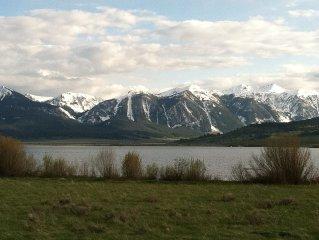 Yellowstone Log Home Directly On Beautiful Henrys Lake