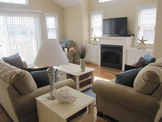 Stunning 5BR Home w/Game Room~Close to Beach~Includes Beach Tags! $2,900 Aug 26