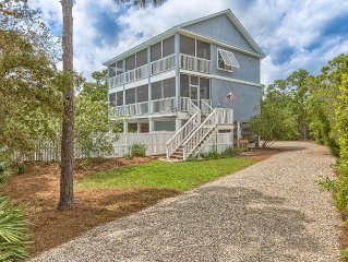 June 18 -25 Discount! 3BR/3BA, Private Pool, Easy Walk to Beach, Near Clubhouse!