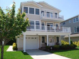 Amazing Shore House!!! Beach Block! Luxurious, Convenient & Clean!