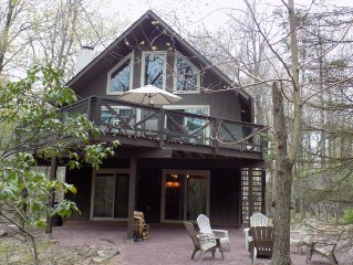 Lake Harmony Chalet sleeps 13 w/ 4 bedrooms! Discounted ski weekends available!