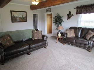 4 Bedroom - Mountain View Country Ranch with Scenic Views