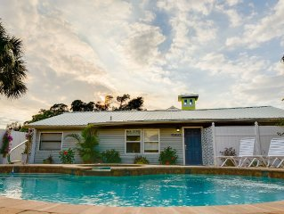 Charming & Unique Rental On Canal Water, Pool Hot Tub, Close To Beach