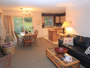Wonderful & Private End Unit with unbelievable mountain views