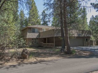 Large Sunriver Home! Across from Village!! 12 SHARC Passes!  Great Location!!